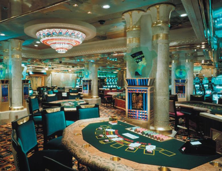 Круизный лайнер Celebrity Summit - Казино (Fortunes Casino)