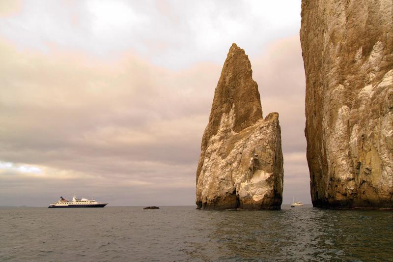 Круизный лайнер Celebrity Xpedition - Внешний вид лайнера (Exterior)