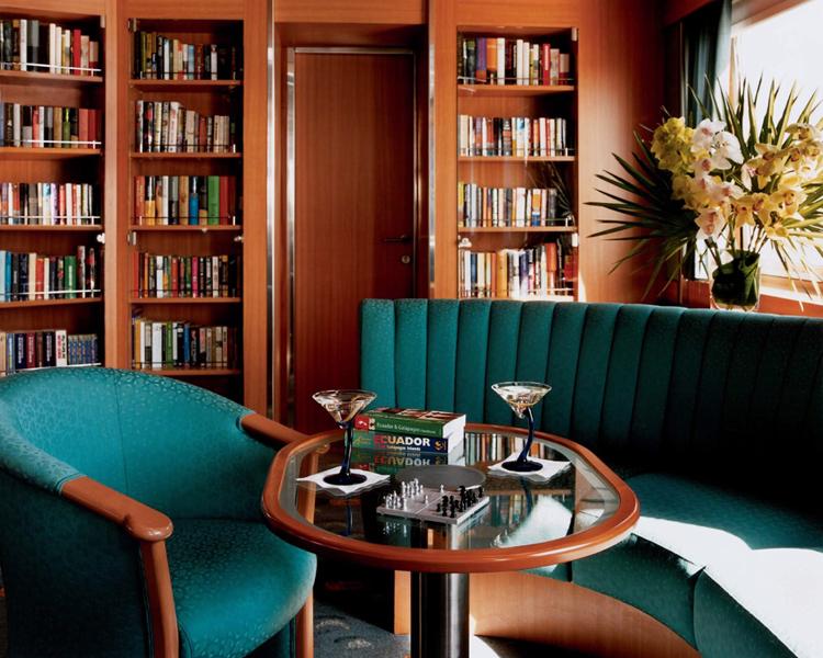 Круизный лайнер Celebrity Xpedition - Читальный зал (Onboard Library)