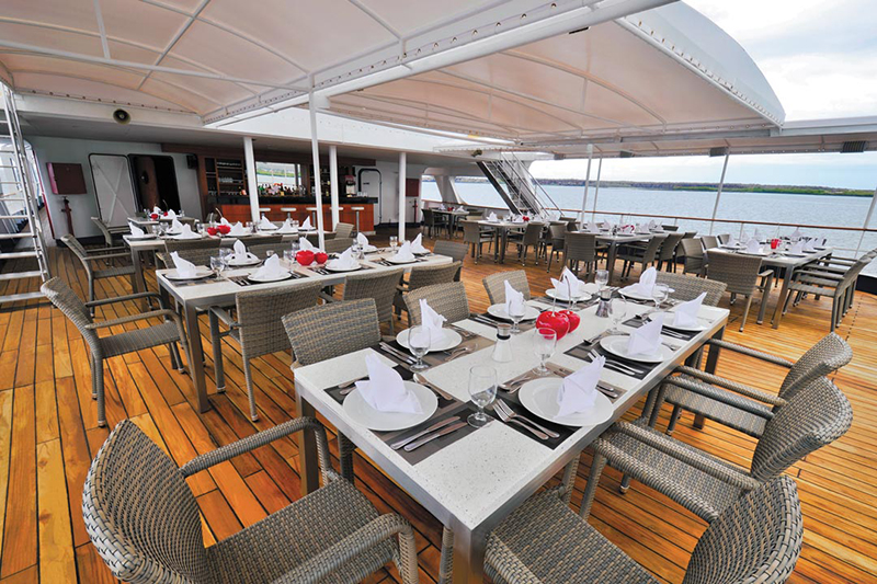 Круизный лайнер Celebrity Xperience - Ресторан Al Fresco