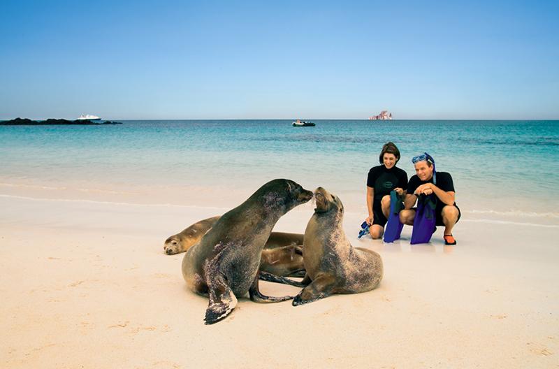 Круизный лайнер Celebrity Xperience - На Галапагосских островах
