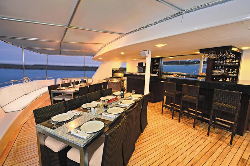Круизный лайнер Celebrity Xploration - Ресторан Al Fesco