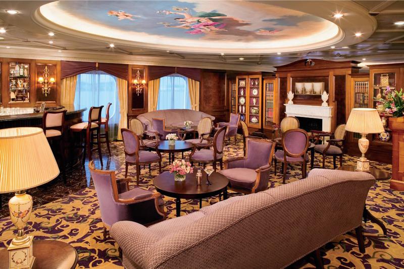 Круизный лайнер Azamara Journey - Мартини бар (Martini Bar)