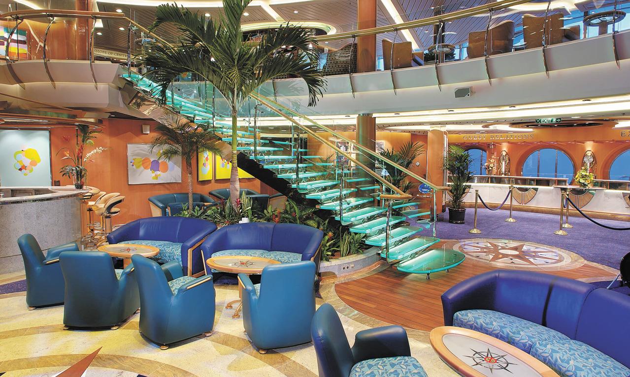 Круизный лайнер Brilliance of the Seas - Атриум (Centrum)