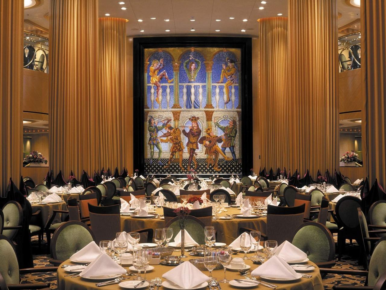 Круизный лайнер Brilliance of the Seas - Основной ресторан (Dining Room)