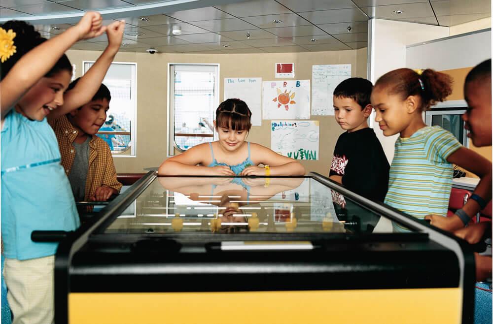 Круизный лайнер Brilliance of the Seas - Детский клуб (Foosball Kids)