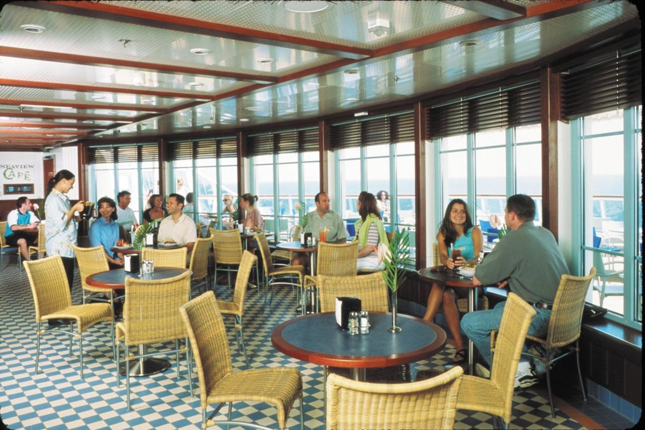 Круизный лайнер Brilliance of the Seas - Кафе с видом на море (Seaview Cafe)