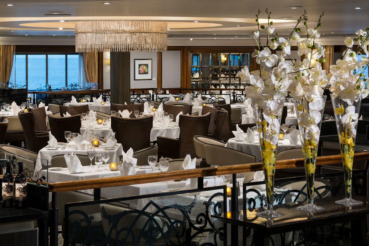 Круизный лайнер Azamara Quest - Основной ресторан (Dining Room)