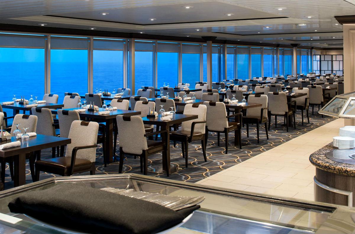 Круизный лайнер Azamara Quest - Панорамное кафе (Windows Cafe)