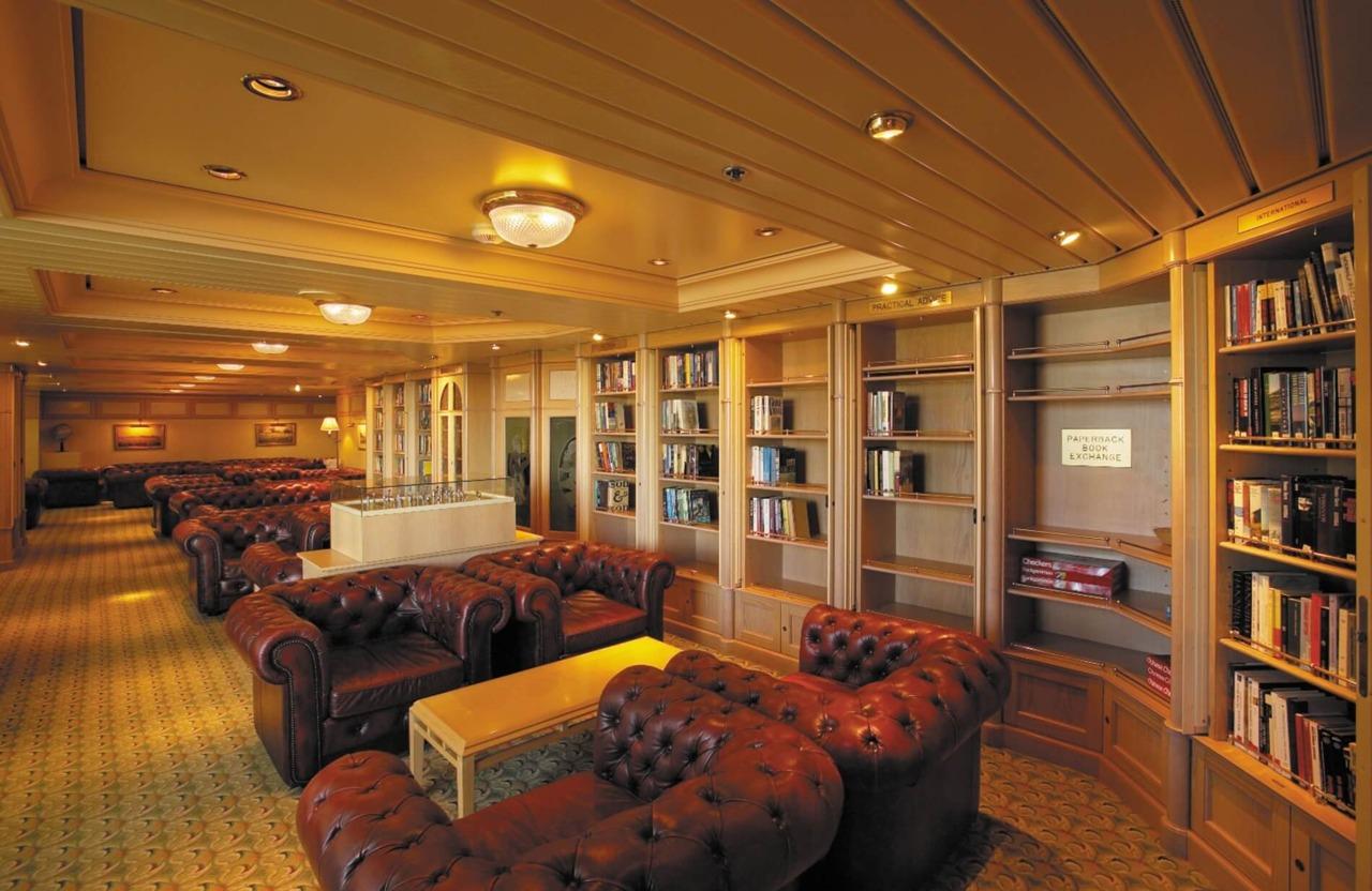 Круизный лайнер Empress of the Seas - Библиотека