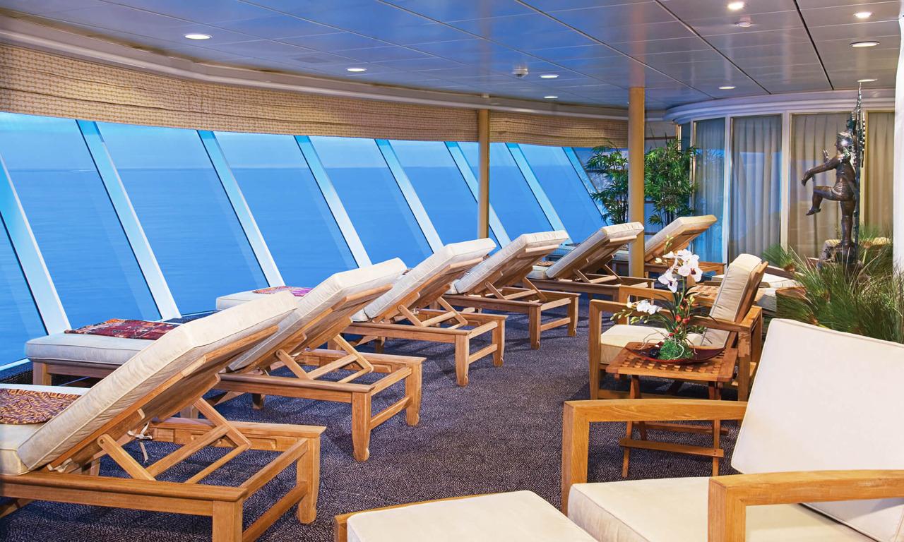 Круизный лайнер Enchantment of the Seas - Комната отдыха (Relax Room)