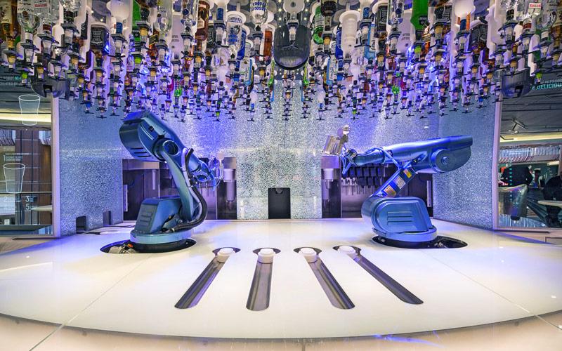 Круизный лайнер Spectrum of the Seas - Bionic Bar