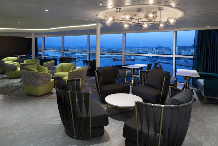 Круизный лайнер Spectrum of the Seas - Silver Lounge