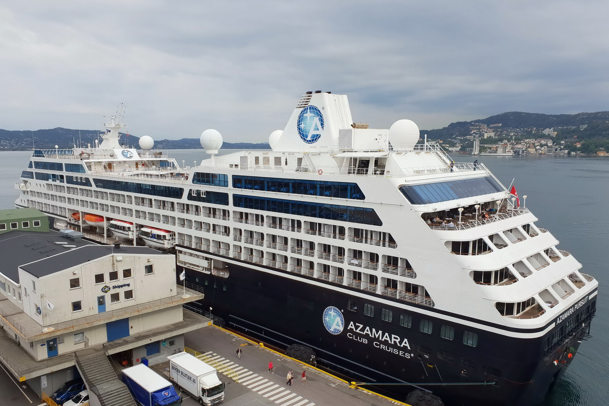 Круизный лайнер Azamara Pursuit - Azamara Pursuit