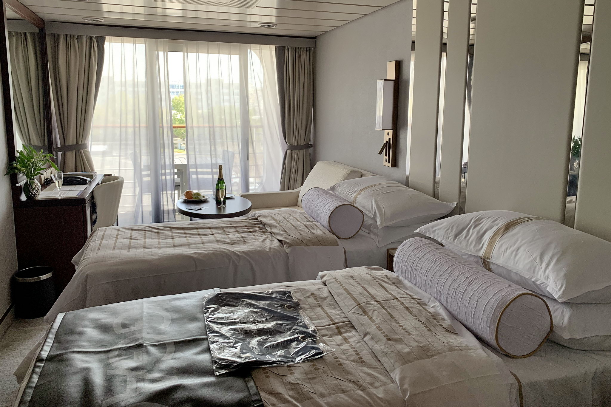 Круизный лайнер Azamara Pursuit - Stateroom