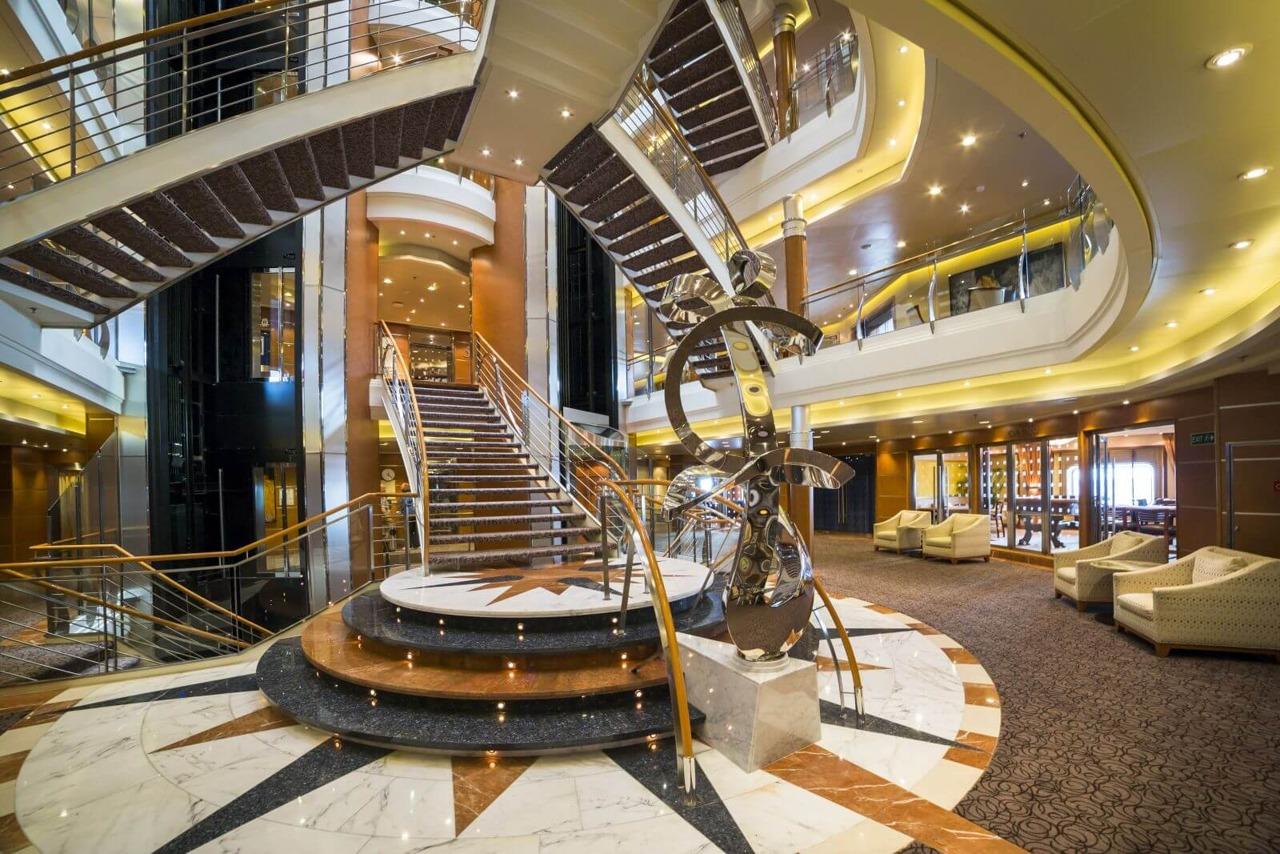 Круизный лайнер Explorer of the Seas - Атриум (Atrium)