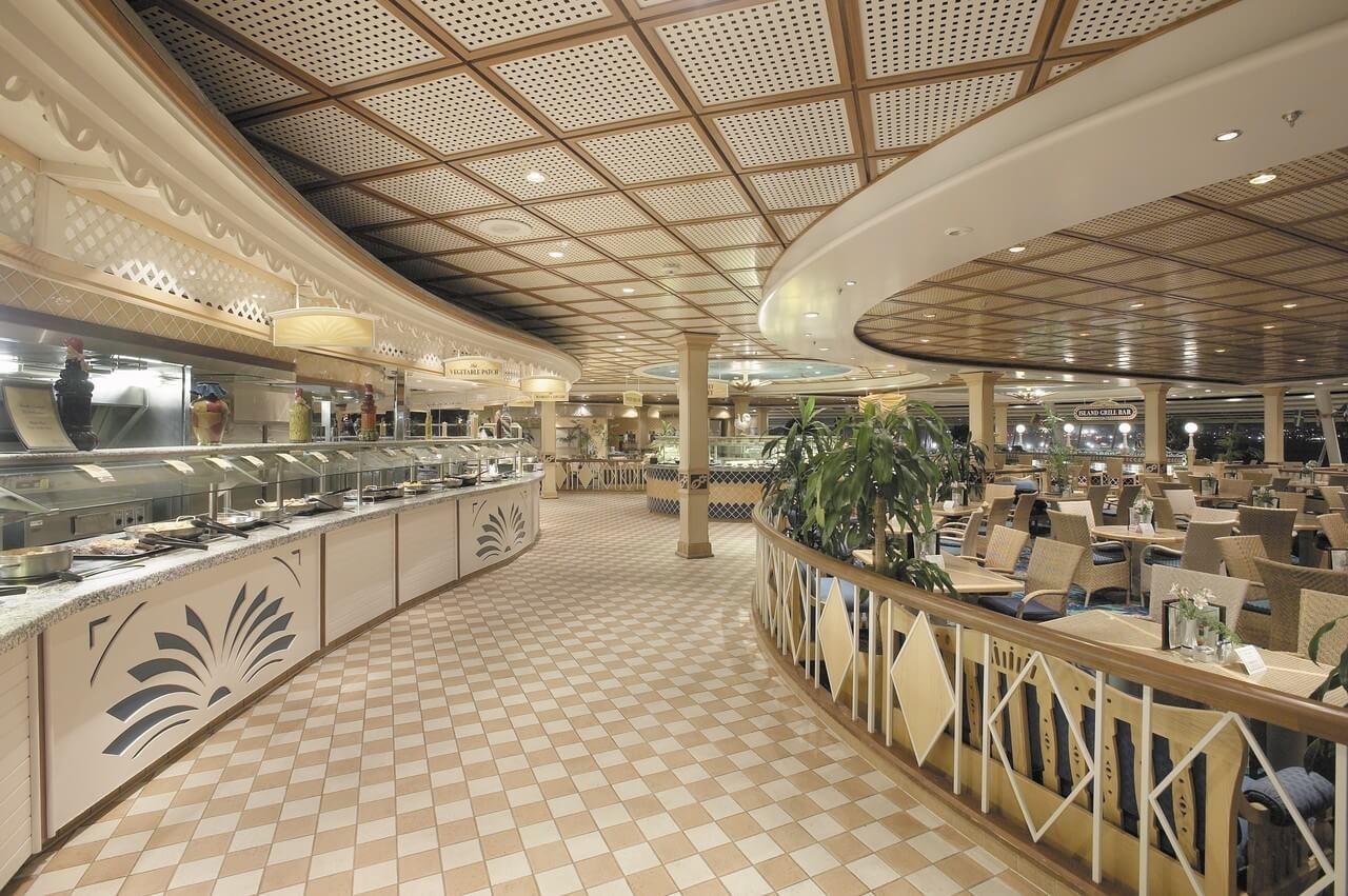 Круизный лайнер Explorer of the Seas - Шведский стол (Windjammer Cafe)