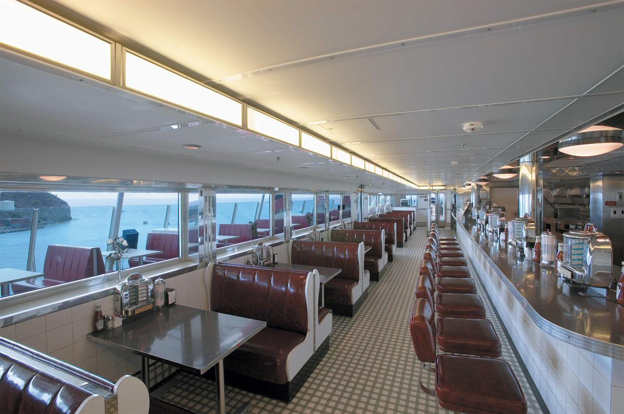 Круизный лайнер Explorer of the Seas - Ресторан (Johnny Rockets)