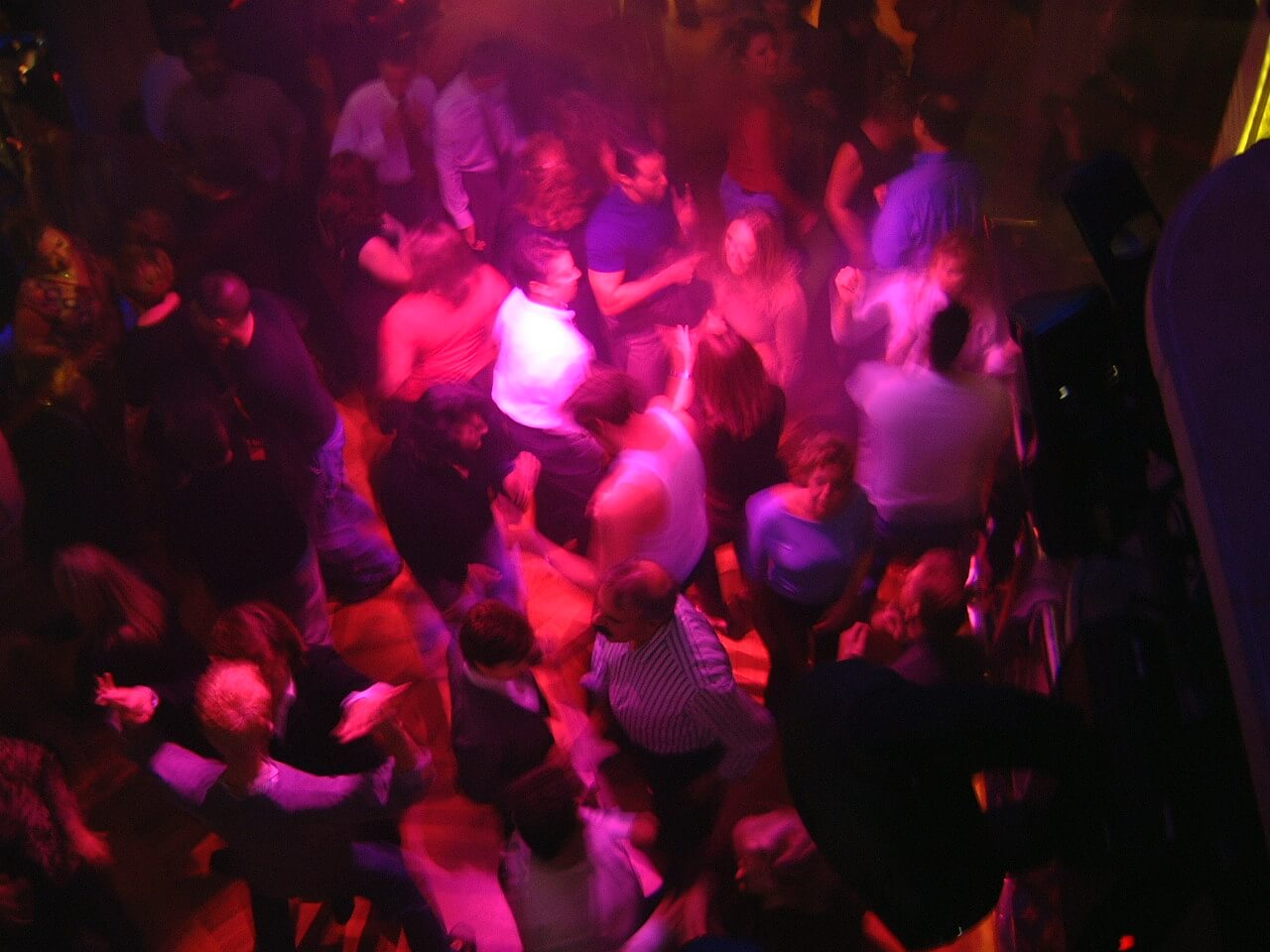 Круизный лайнер Explorer of the Seas - Дискотека (Nightclub Dance)