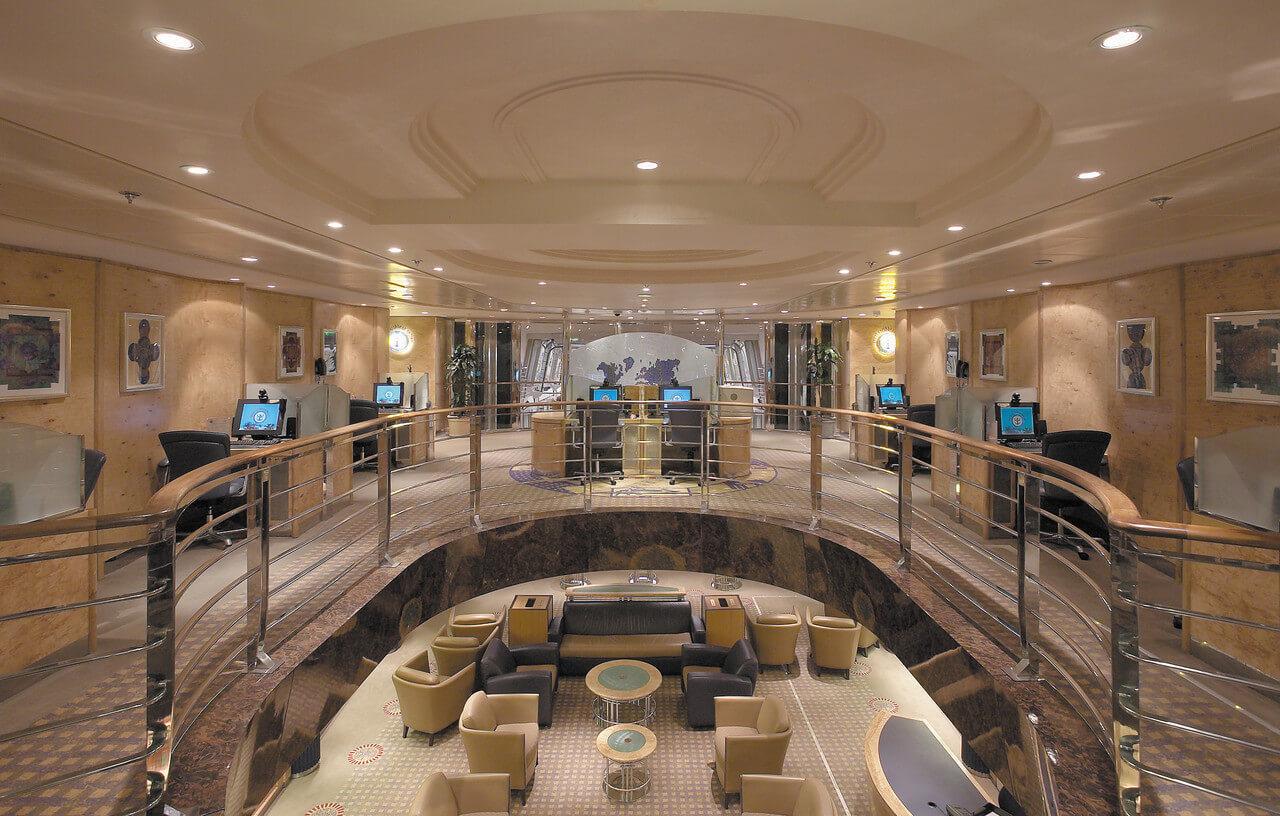 Круизный лайнер Explorer of the Seas - Интернет-кафе (Internet Cafe)