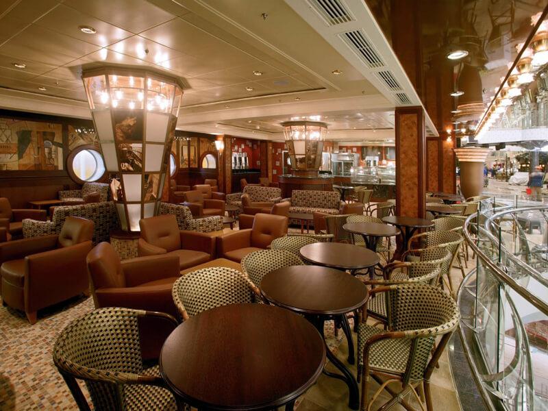 Круизный лайнер Freedom of the Seas - Кафе Променад (Cafe Promenade)