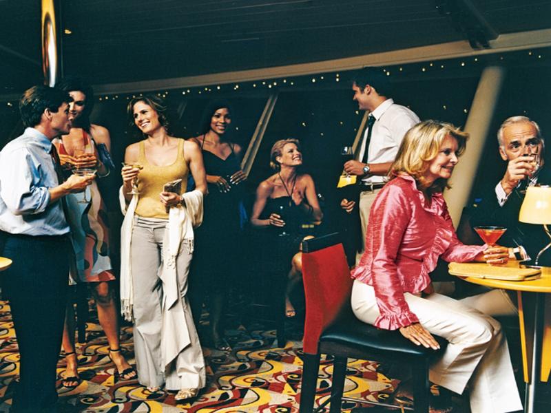 Круизный лайнер Freedom of the Seas - Гостиная (Lounge)