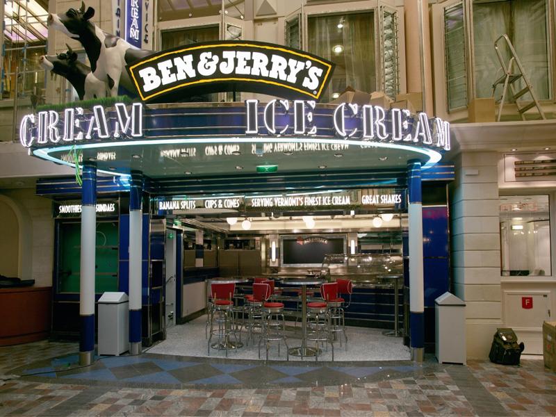 Круизный лайнер Freedom of the Seas - Кафе-мороженое (Icecream)