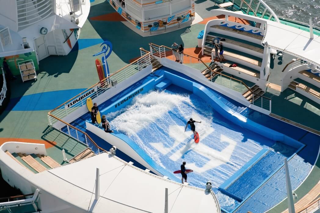 Круизный лайнер Freedom of the Seas - Водные горки (Flowrider)