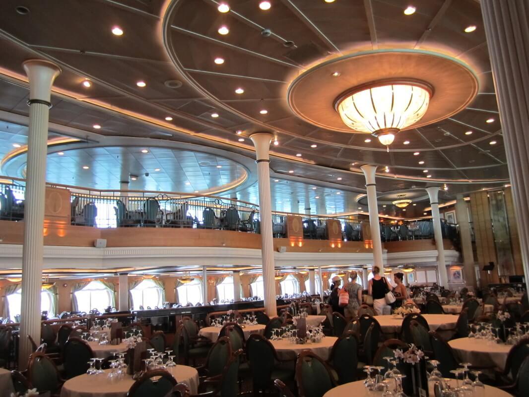 Круизный лайнер Grandeur of the Seas - Основной ресторан (Dining Room)