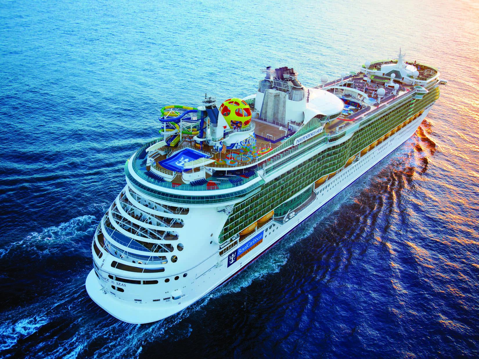 Круизный лайнер Independence of the Seas