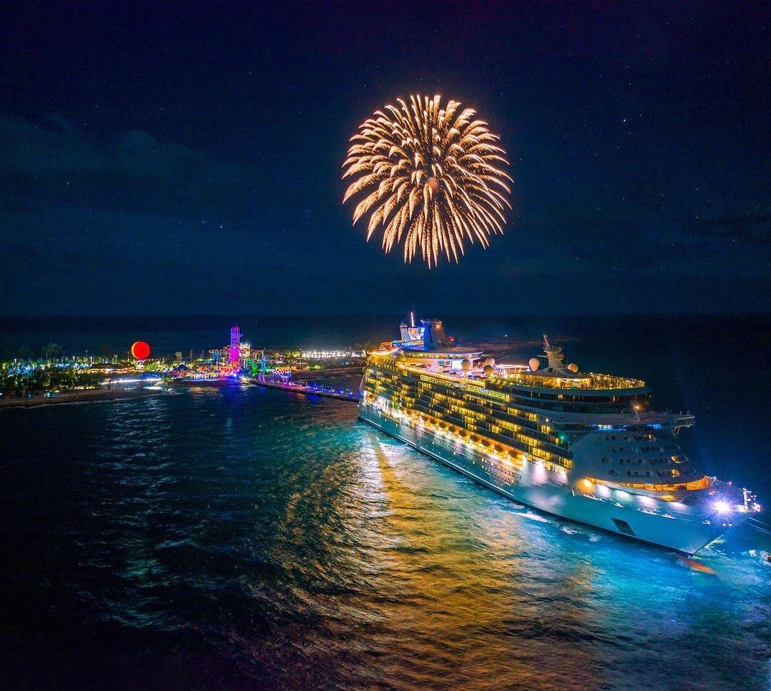 Royal Caribbean возобновляет круизы - встречайте Adventure of the Seas