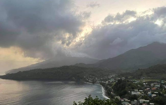 На острове Сент-Винсент в Карибском море через извержение вулкана началась эвакуация местных жителей.